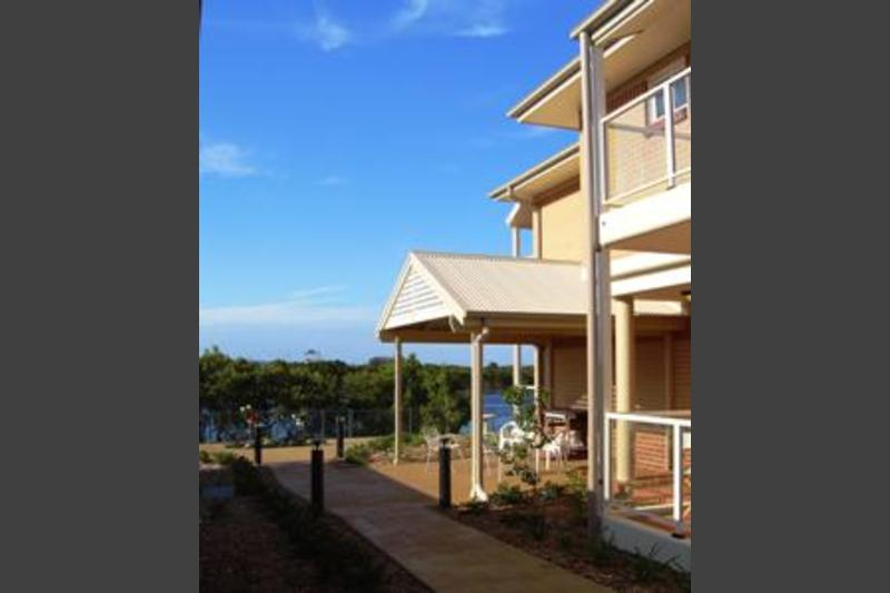 Southern Cross Tenison Apartments - Swansea